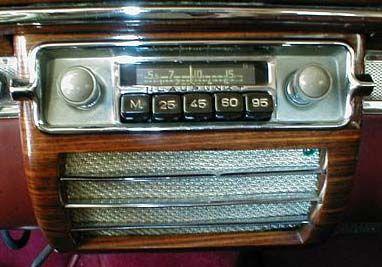 1930's car radio unit classic